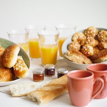 medium-4_3-paris-breakfast-2