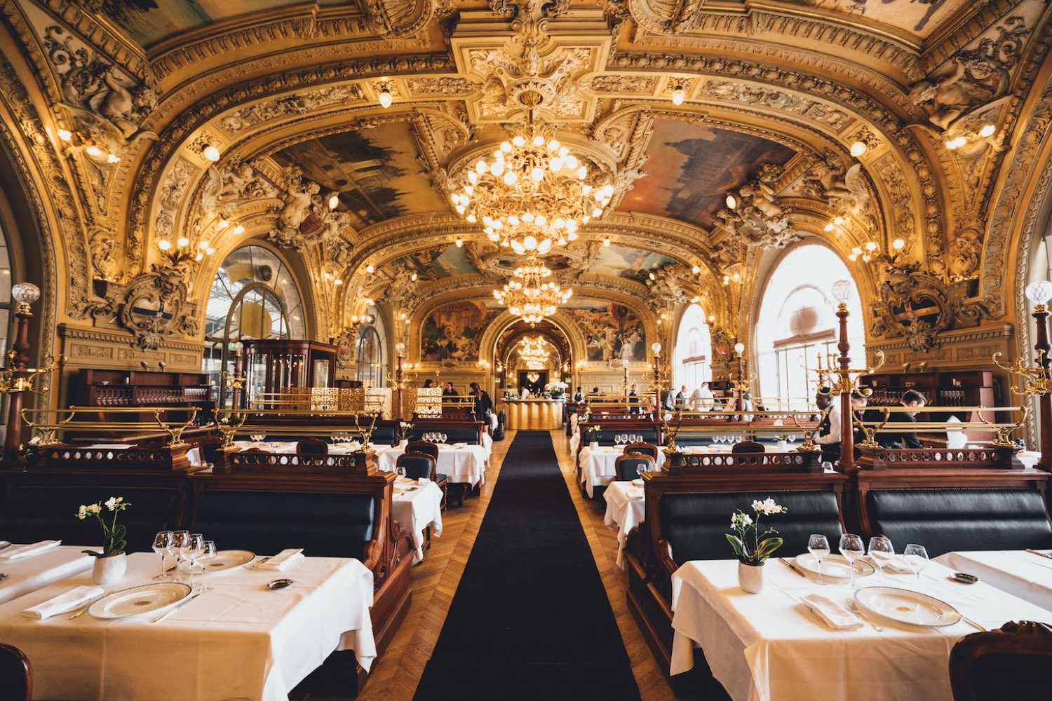 Le train bleu best restaurant gare de lyon bastille for Paris restaurant